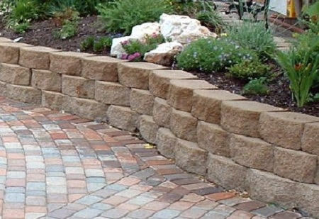 How to build a retaining wall without mortar