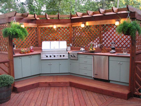 Kitchens and outdoor outdoor kitchen bars.