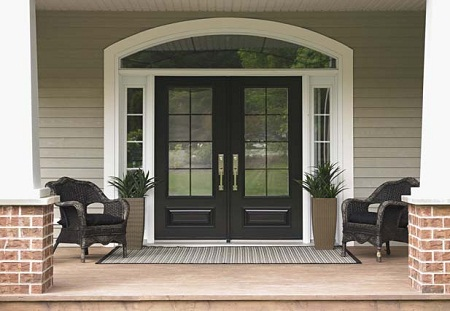 Какую входную дверь нужно выбирать в частный дом?