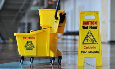 A Problematic Mess Calls For A Professional Cleaner – Invest In A Commercial Cleaning Service