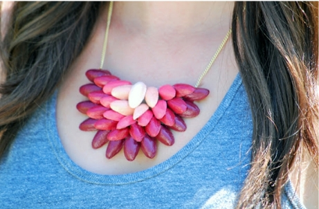 ombre pistachio shell necklace