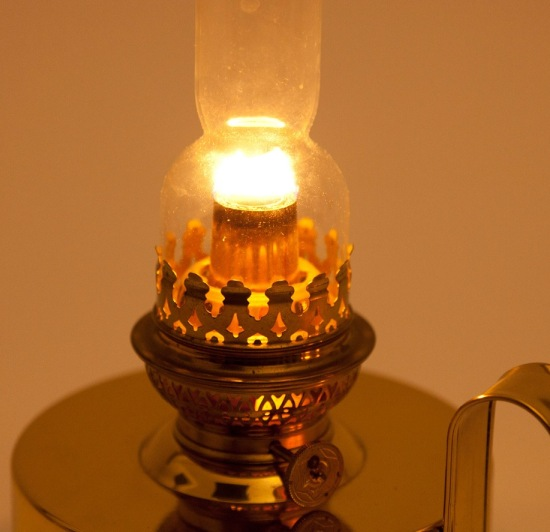 6 Ways to Reuse Old Lightbulbs